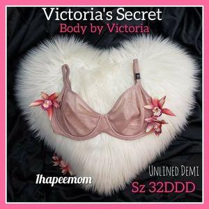 Victoria's Secret 32DDD Body by Victoria Demi